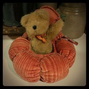 Fall Frolic Pumpkin & Bear